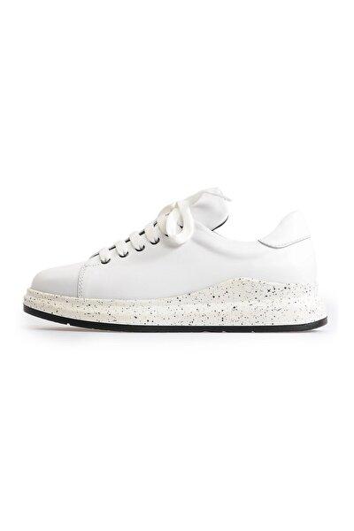 Beyaz Bağcıklı Klasik Kadın Spor Ayakkabı