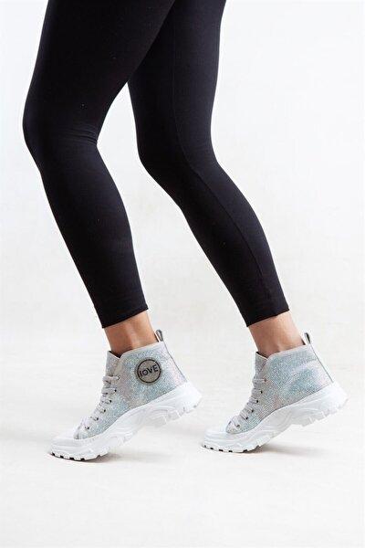 750 Beyaz Ta?lı Kadın Spor Ayakkabı