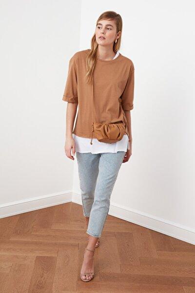 Açık Kahverengi Süprem Parça Detaylı Boyfriend Örme T-Shirt TWOSS20TS0858