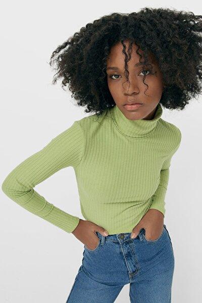 Kadın Yeşil Yumuşak Dokulu Fitilli T-Shirt 07026136