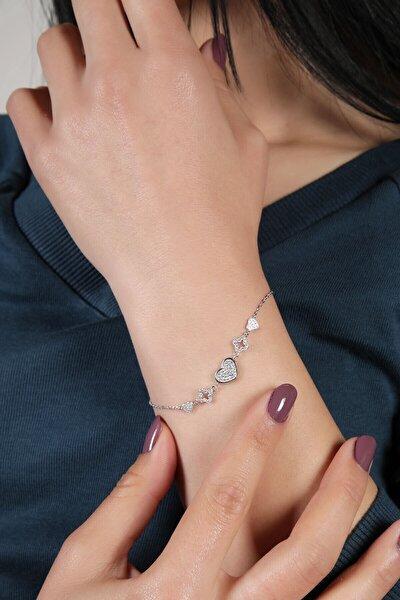 Kadın 925 Ayar Zirkon Taşlı Kalpli Gümüş Bileklik Dbsk4132