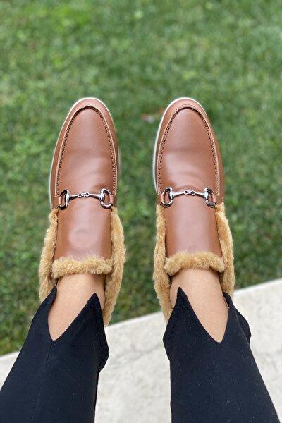 Kadın Kahverengi Iç Kısmı Kürklü Oval Burun Ön Detay Tokalı Ayakkabı