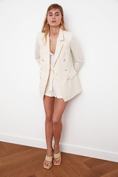 Taş Düğme Detaylı Oversize Blazer Ceket TWOSS20CE0024