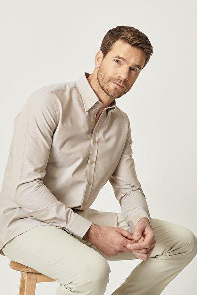 Erkek Kahverengi Tailored Slim Fit Dar Kesim Düğmeli Yaka %100 Koton Gömlek