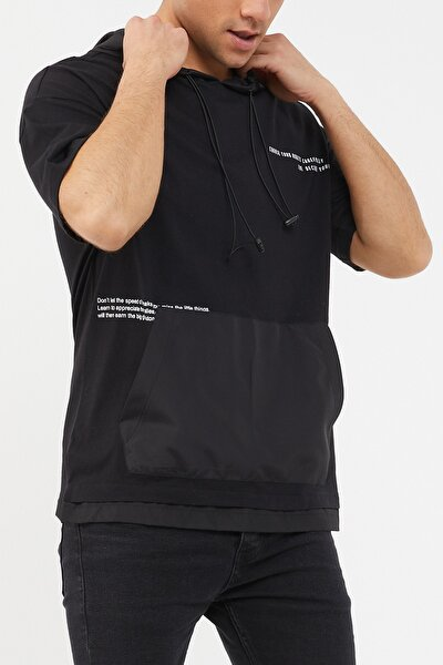 Siyah Kapüşonlu Kanguru Cepli T-shirt 1kxe8-44479-02