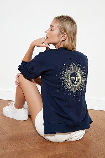 Lacivert Sırt Baskılı Örme Sweatshirt Sweatshirt TWOSS21SW0139