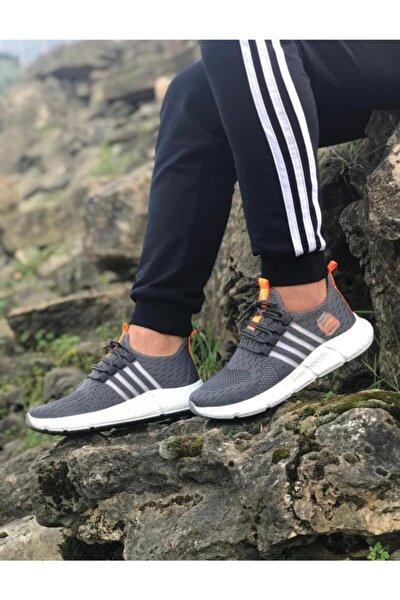 Poon Sneakers