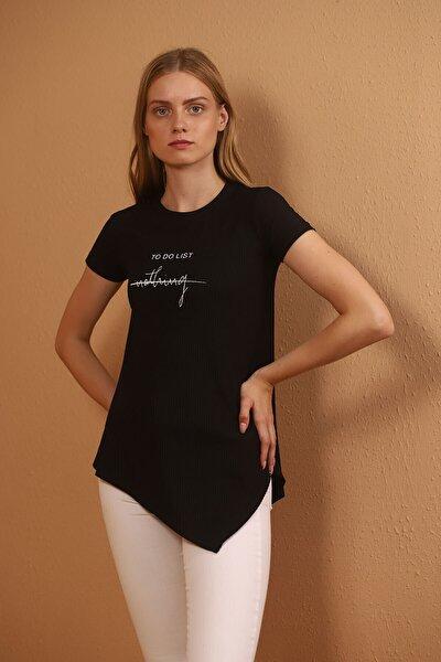 Kadın Siyah Asimetrik Kesim Baskılı T-shirt