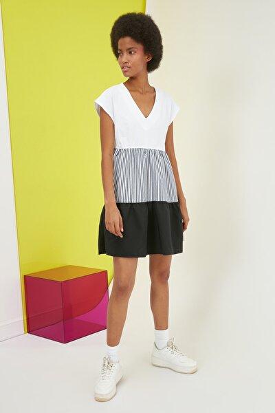 Siyah Geniş Kesim Renk Bloklu Elbise TWOSS21EL2391