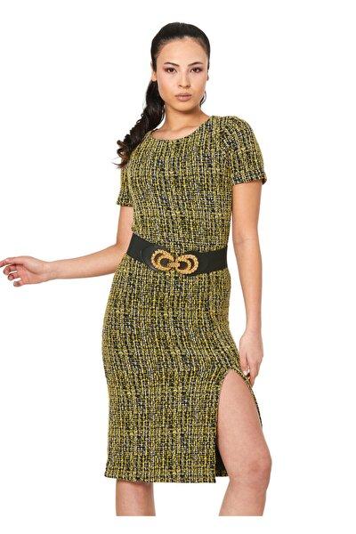 Renkli Desenli Yırtmaçlı Elbise