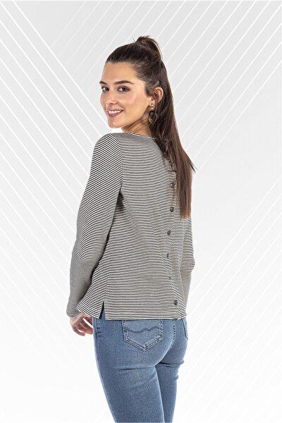 Arka Düğme Detaylı Regular Fit Kadın Bluz