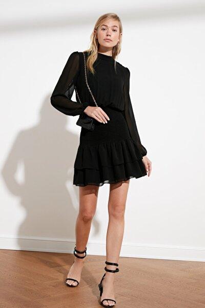 Siyah Volanlı Gipe Detaylı Elbise TWOAW21EL1776
