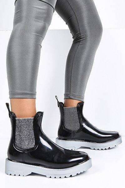 Kadın Parlak Plastik Yağmur Bot Siyah-gümüş
