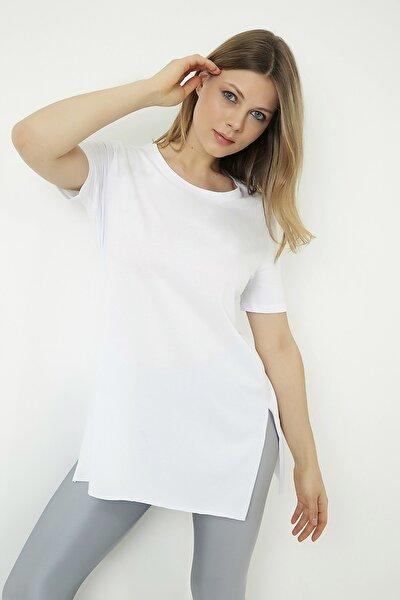 Kadın Beyaz Bisiklet Yaka Yırtmaçlı Uzun  T-Shirt STN878KTS127