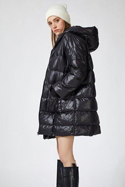 Kadın Siyah Kapüşonlu Şişme Kaban  FN02601