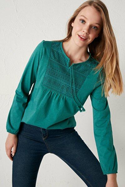 Kadın Yeşil Dantel Detaylı Bluz