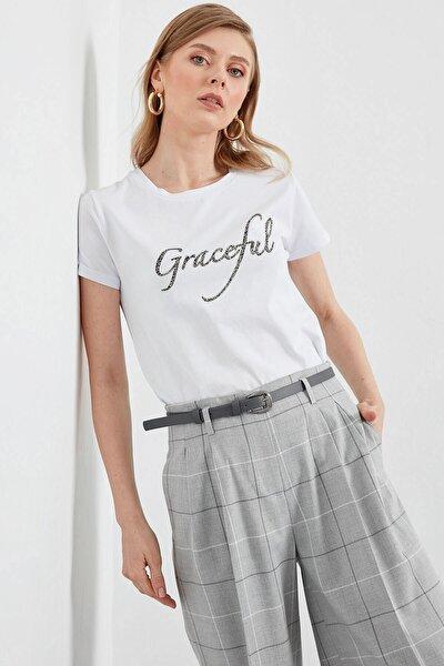 Kadın Beyaz Ön Baskı Detaylı Penye Bluz