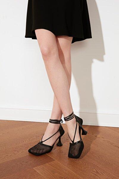 Siyah Kadın Klasik Topuklu Ayakkabı TAKSS21TO0050