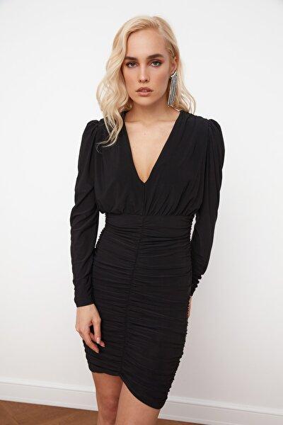 Siyah Drape Detaylı Elbise TPRSS21EL0060