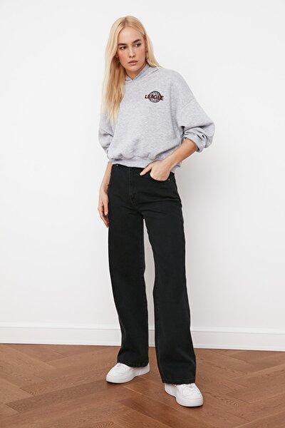 Gri Ön ve Sırt Baskılı Basic Örme Sweatshirt TWOAW21SW0047
