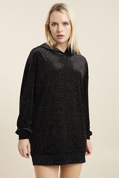Kadın Siyah Simli Kapüşonlu Uzun Sweatshirt
