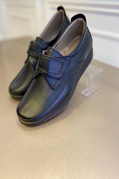 Kadın Siyah Deri Küt Bantlı Ayakkabı