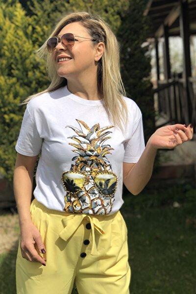 Önü Ananas Baskılı Pullu T-shirt