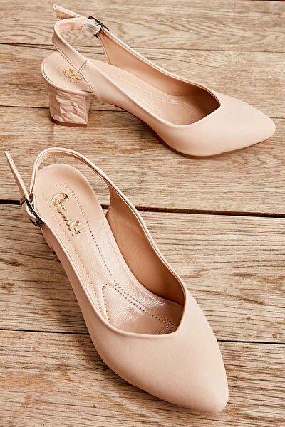 Bej Kadın Klasik Topuklu Ayakkabı K01688071109