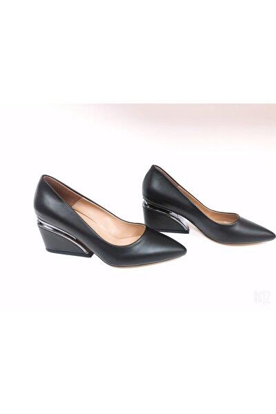 Kadın Siyah Maga Topuklu Ayakkabı