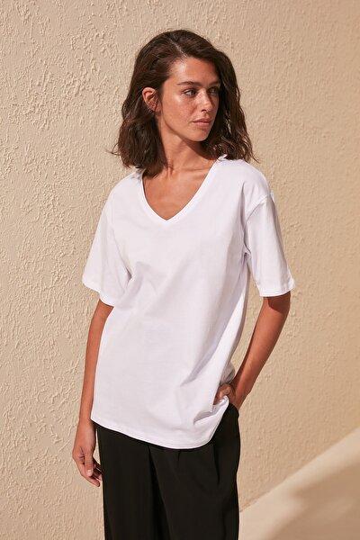 Beyaz %100 Pamuk V Yaka Boyfriend Örme T-Shirt TWOSS20TS0132