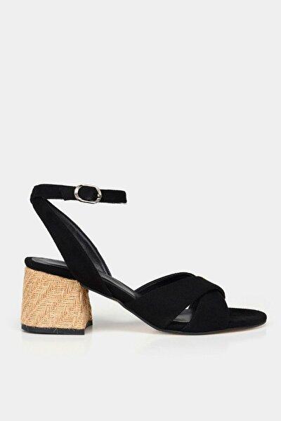 Siyah Yaya Sandalet