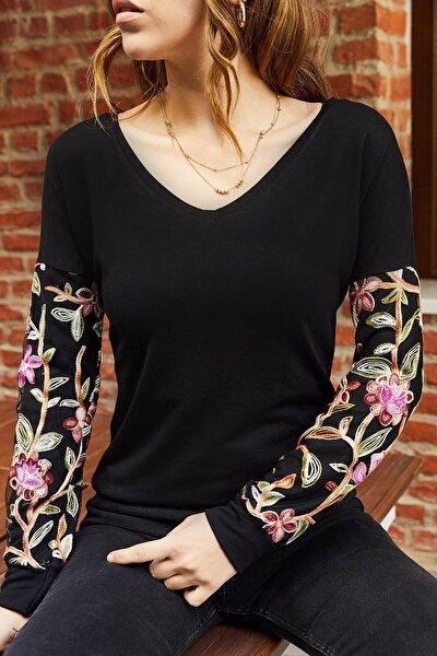 Kadın Siyah Kolları İşlemeli V Yaka Bluz 9kxk2-42856-02