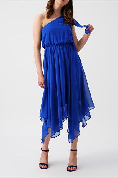 Kadın Eteği Asimetrik Tek Omuzlu Mavi Elbise