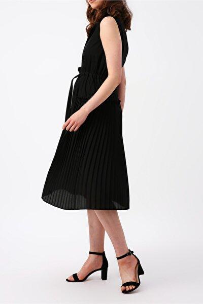 Kadın Eteği Piliseli Beli Büzgülü Kolsuz Midi Elbise