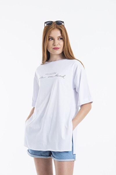 Kadın Beyaz Less Monday Baskılı Oversize T-shirt
