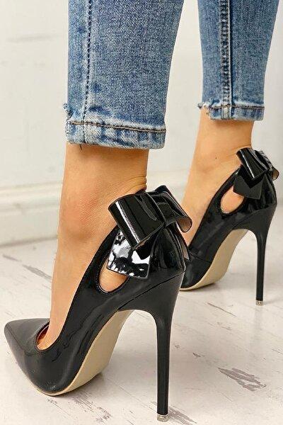 Kadın Siyah Rugan Fiyonklu Topuklu Stiletto