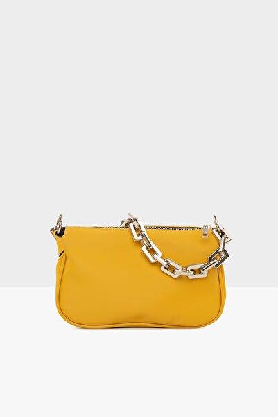 Sarı Kadın Plastik Zincirli Saten Baget Çanta M000004780