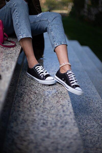 Siyah-Beyaz Kadın Spor Ayakkabı