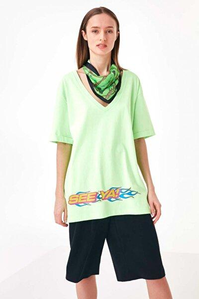 Kadın Yeşil Slogan Baskılı Tshirt TS1200070168260