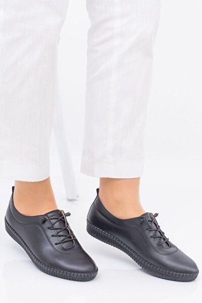 Kadın Ortopedik Siyah Lastik Bağcıklı Içi Deri Alçak Topuklu Günlük Rahat Ayakkabı