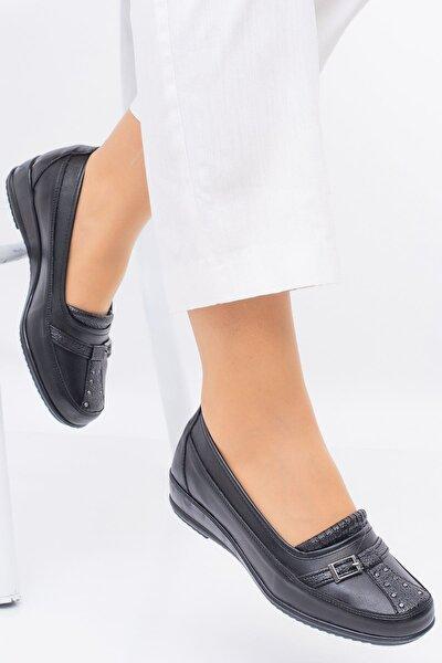 Kadın Ortopedik Siyah Önü Toka Detay Içi Deri Alçak Taban Günlük Rahat Ayakkabı