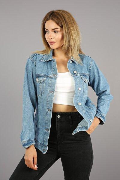 Kadın Açık Mavi Cepli Ve Düğmeli Kot Ceket