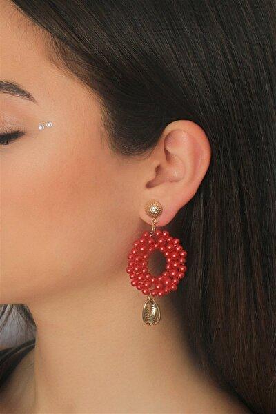 Kadın Kırmızı Boncuklu Deniz Kabuğu Detaylı Çift Küpe