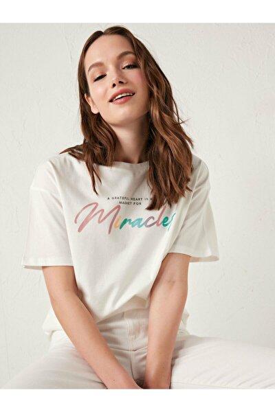 Kadın Ekru Kısa Kollu Tişört