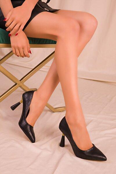 Siyah Kapitone Kadın Klasik Topuklu Ayakkabı 15783