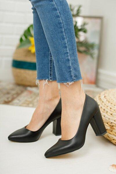 Kadın Siyah Yüksek Kalın Topuklu Ayakkabı
