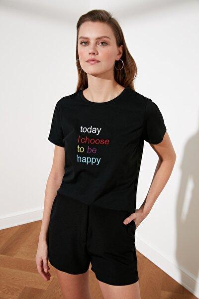 Siyah Nakışlı Basic Örme T-Shirt TWOSS21TS0706