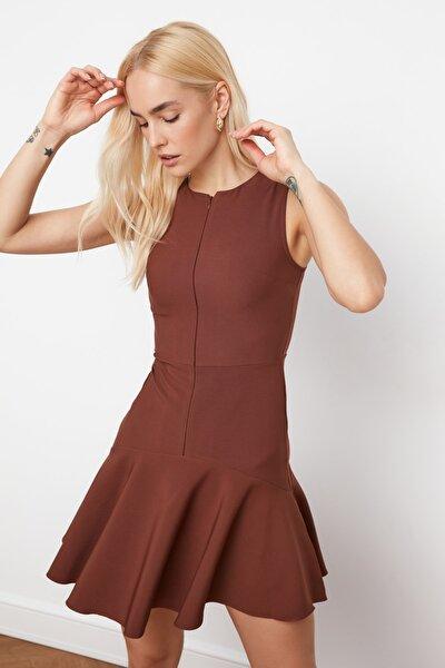 Kahverengi Fermuar Detaylı Elbise TWOSS20EL1124