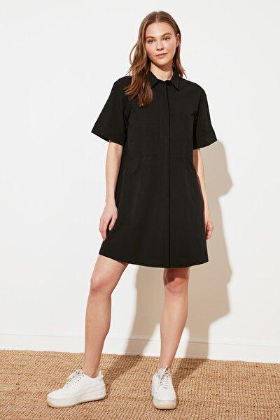 Siyah Geniş Kesim Cep Detaylı Gömlek Elbise TWOSS21EL1912
