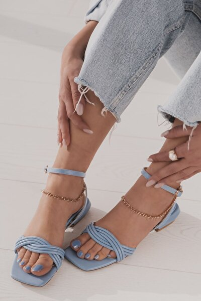 Sodyan Mat Deri Bilekten Bağlama Detaylı Kısa Topuklu Ayakkabı Mavi